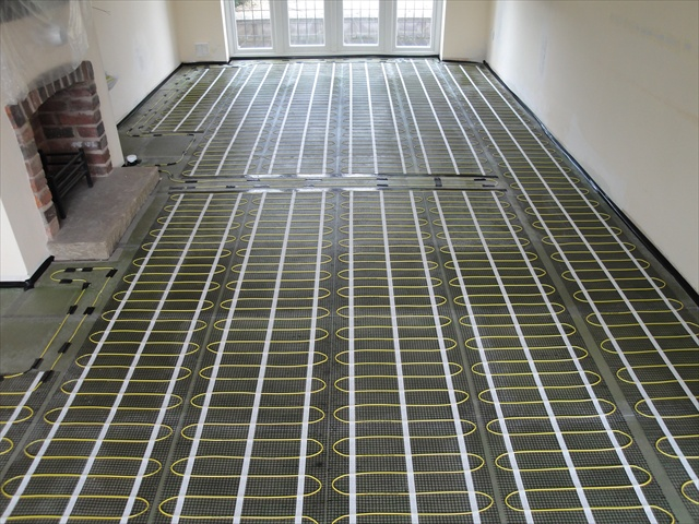 Which underfloor heating is best electric or water for Which heating system is best